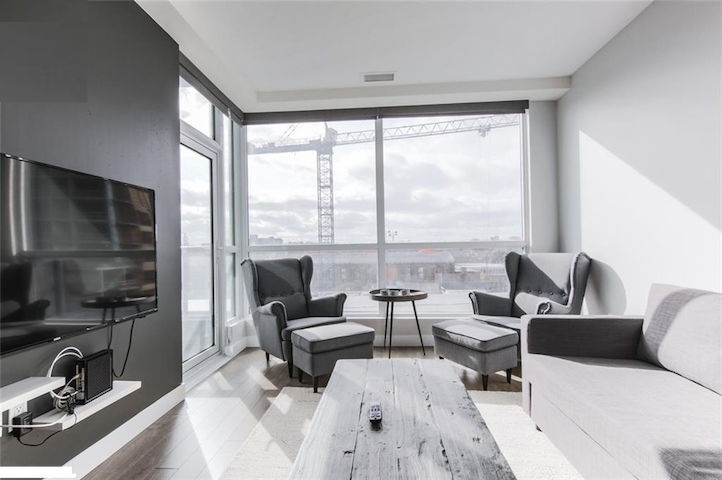 Gorgeous Contemporary Suite -  Free indoor parking