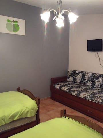 Canapé lit gigogne confortable