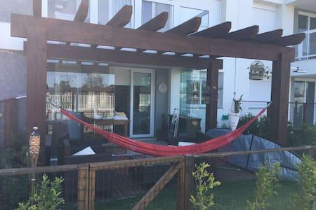Confortável apto , 1 dormitório - Xangri-lá - Condominio