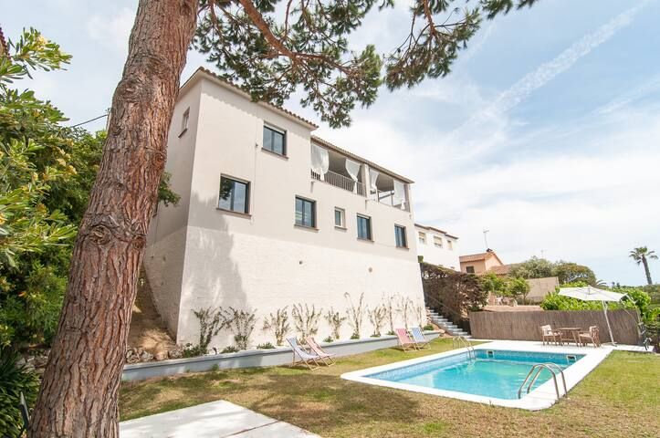 Amazing Costa Brava House with POOL - Sant Andreu de Llavaneres - Rumah