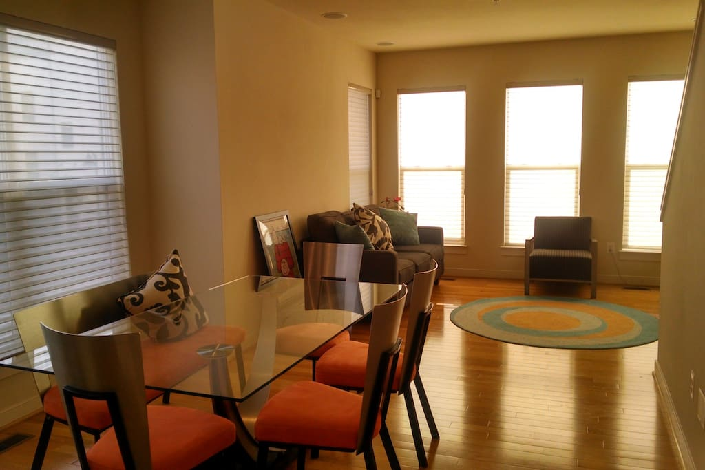 Arts District Townhome W Roof Deck Townhouses For Rent