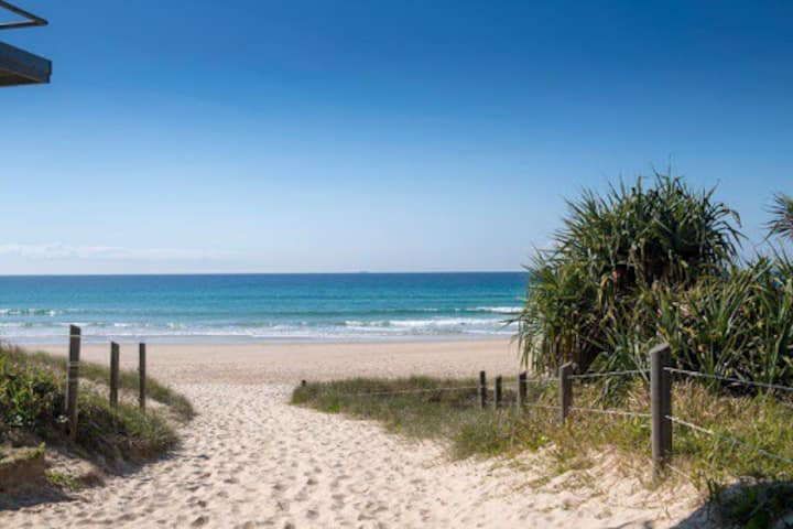 Unplugged and relaxed Peregian Beach townhouse