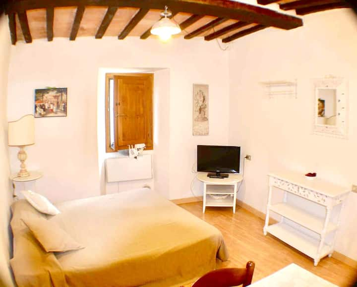 Apartment with one bedroom in Gubbio, with WiFi