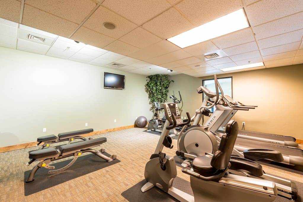 Start your day in the on-site gym