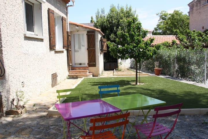 Chambre calme indépendante jardin