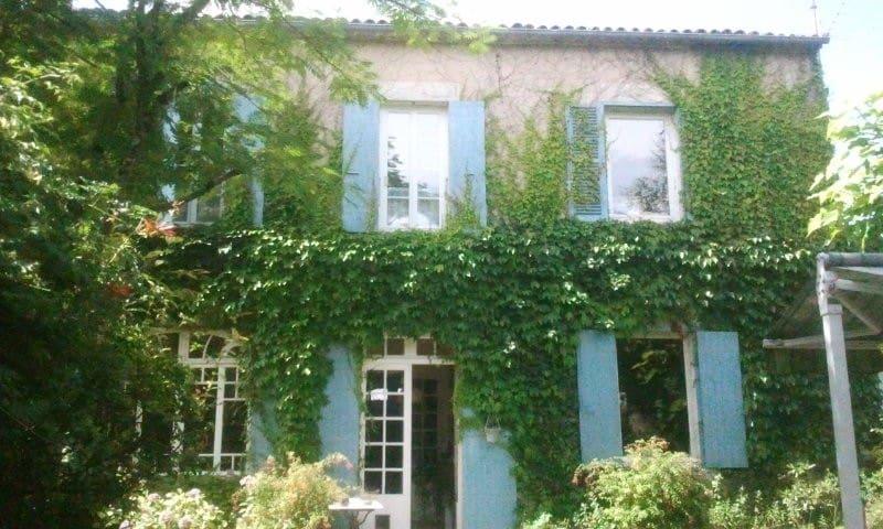 19° century House with swimmingpool - Cozes