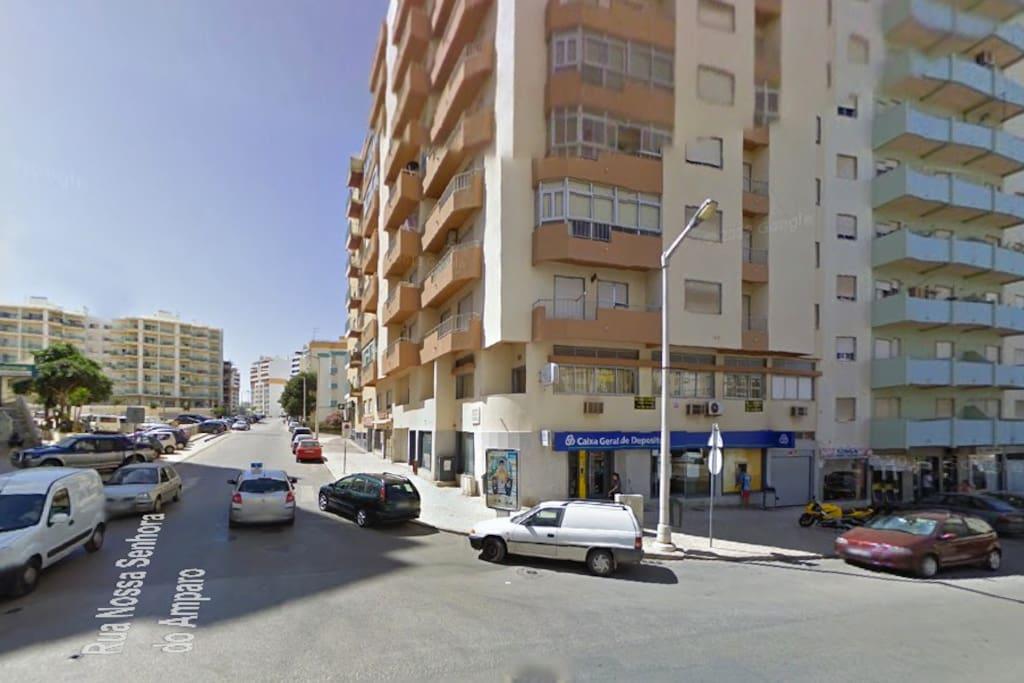 Rua Nossa Senhora do Amparo, 16