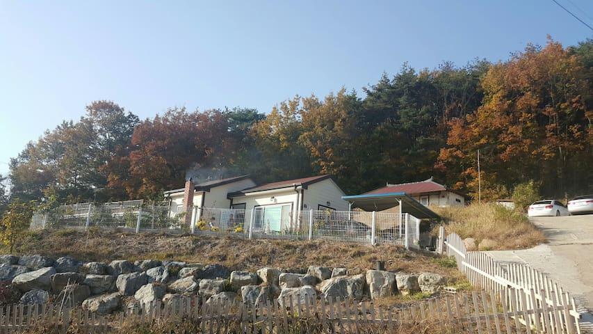 포항 초곡의 온돌황토방 전원주택(포항역10분거리) - 포항시 - House
