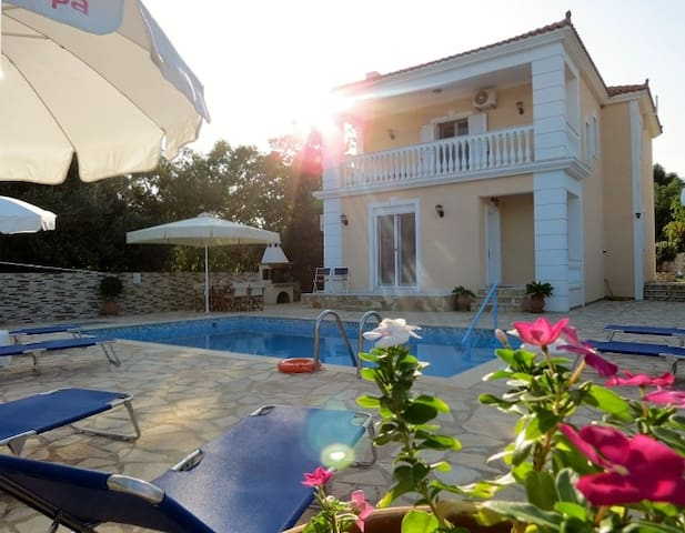 Villa Asterea - Private Pool with Sea Views - Ratzakli - 別荘