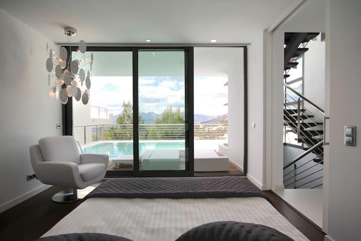 Vistas desde la suite, con acceso a la piscina.