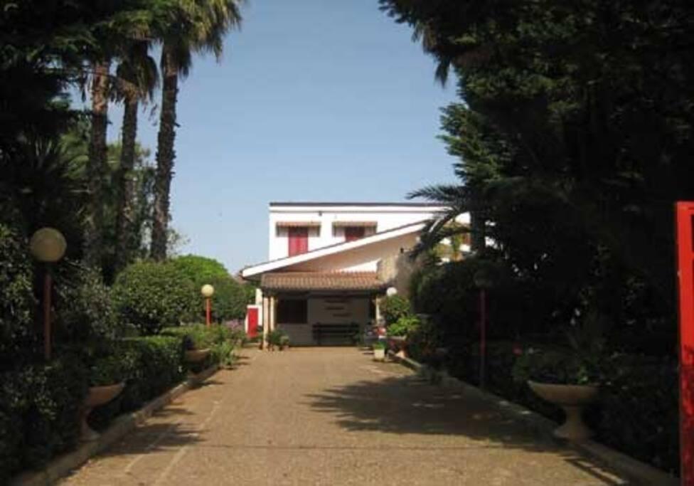 Ingresso villa Vetti