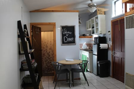 Conveniently Located Cute and Comfortable Studio