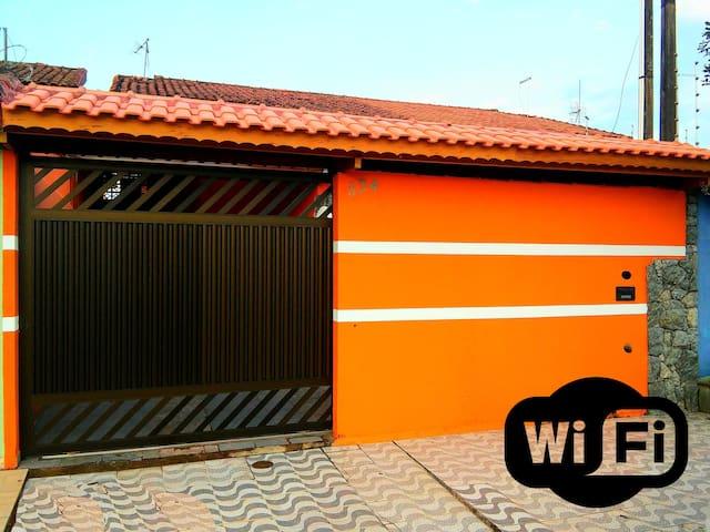 Wi-Fi Grátis - 700 metros da Praia, 3 dorms e 3 WC