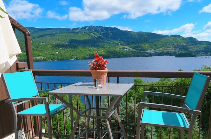 """The VIEW!"" -ROMANTIC- La Vie est Belle Tremblant!"