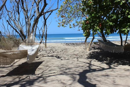 Casa Mandarina 4 bedroom Beachfront Home w/ Pool! - Playa Grande