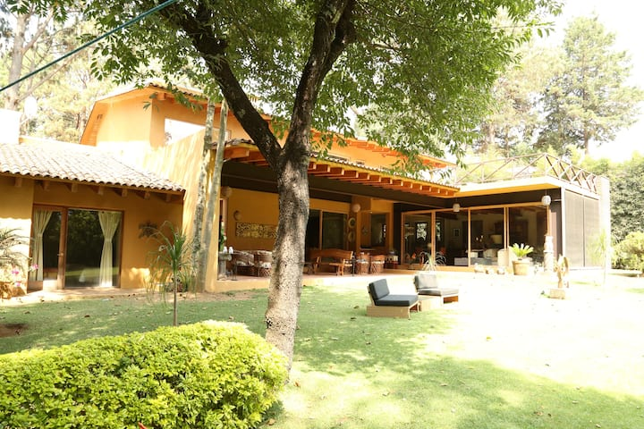 Beautiful Home in the Center of Avandaro