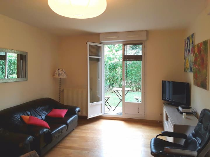 Appartement avec jardin 2 pas de Disney & Paris