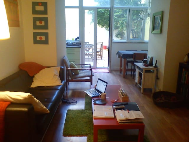 Modern appt with backyard - Lissabon - Appartement