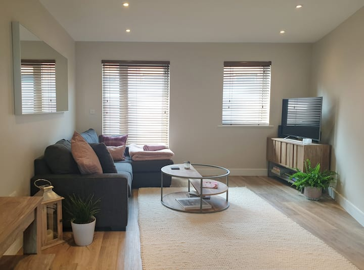 Central Cheltenham flat to suit your needs