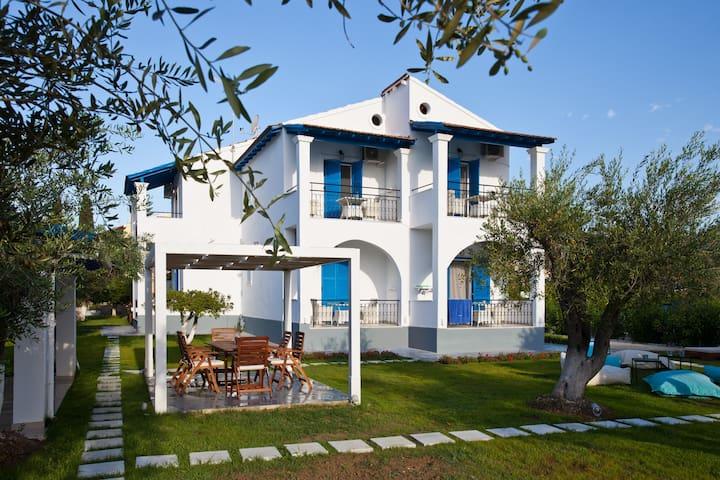 Corfu Sun n Chill Boutique Beach Apartment One