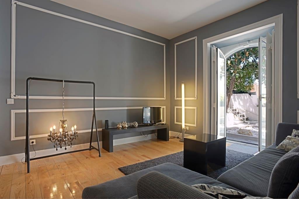 portas do castelo t2 wohnungen zur miete in lissabon lissabon portugal. Black Bedroom Furniture Sets. Home Design Ideas