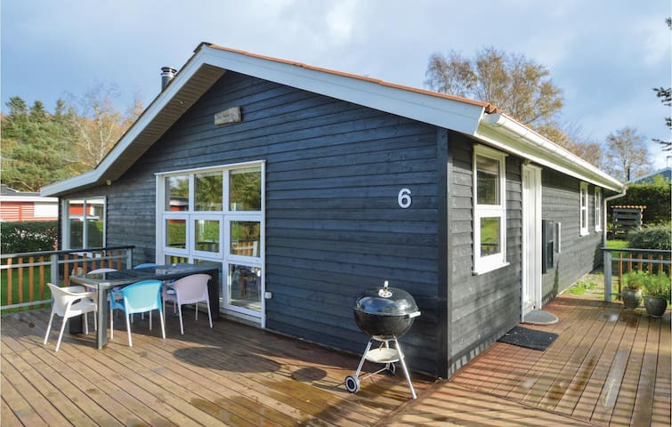 Holiday cottage with 3 bedrooms on 76m² in Farsø