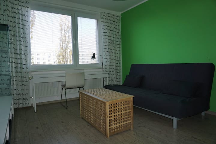 Studio flat 20 minutes from city center