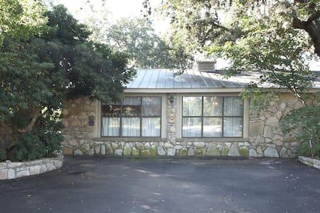 Award winning  Bed & Breakfast - Boerne - Guesthouse