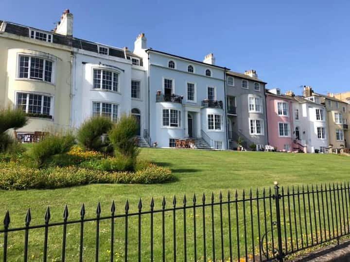 MARINE PENTHOUSE, Uniterrupted Seaviews,HERNE BAY