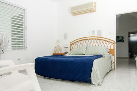 Beachfront Master Suite - Aguada - Casa