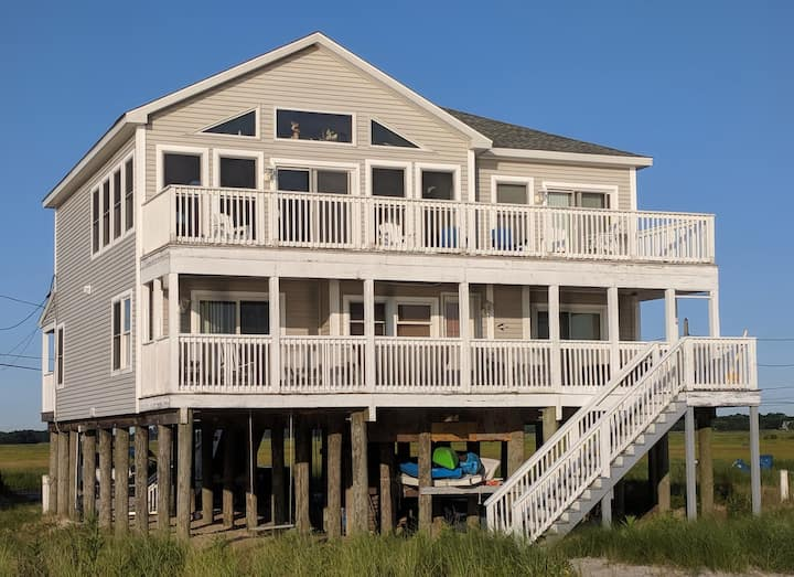 "6BR Beachfront, Delaware Bay.  ""Perfect Refuge""."