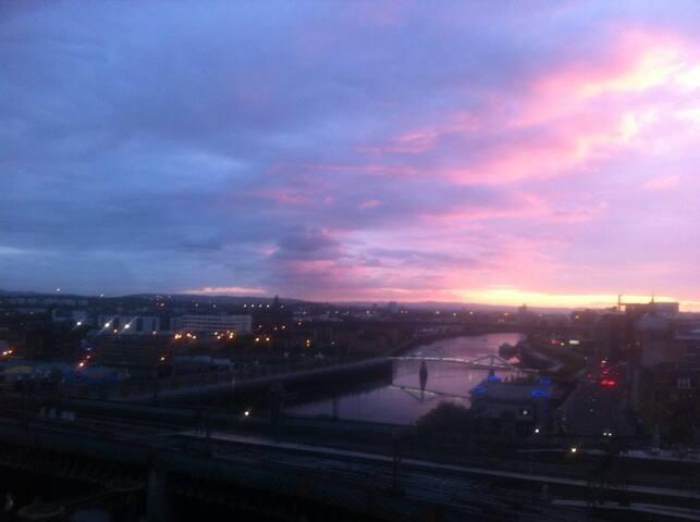 2 personnes dans Glasgow penthouse.