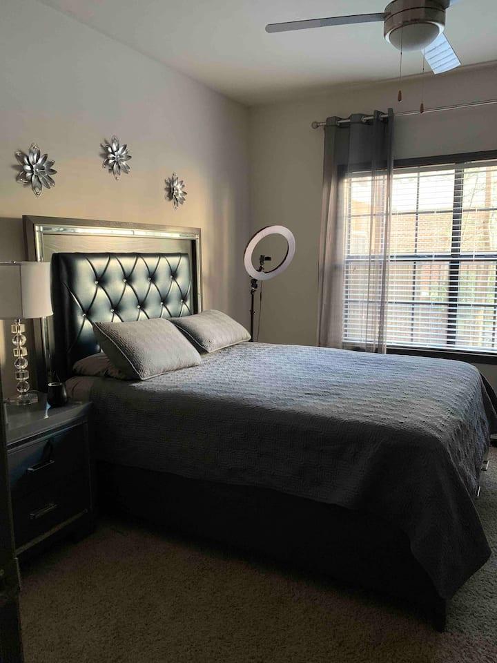Buckhead 1bed 1bath cozy & friendly loft
