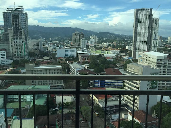 Ultima Ramos Tower Unit w/ nice city view & WiFi