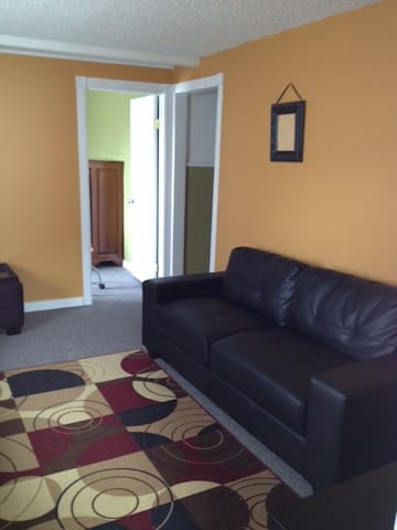 Comfy 3 bed Apt Downtown Rossland - Rossland - Huoneisto