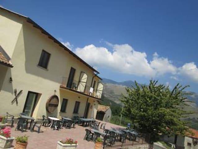 La Cantina - Morano Calabro - Wikt i opierunek