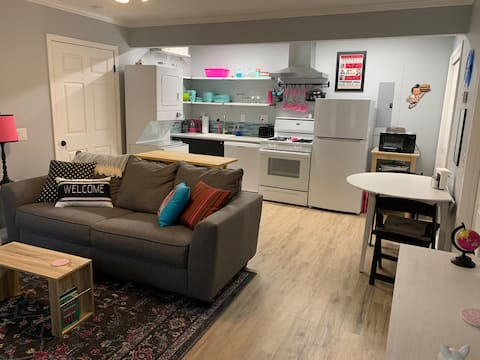 Brand new stylish Memphis Mother in law apartment