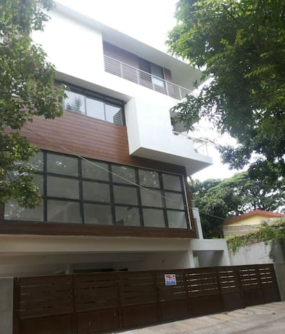 DOESEN'T HAVE A NAME - Bangalore - Casa