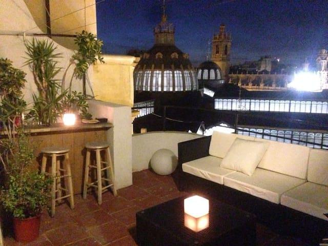 SUNNY ATTIC AT MERCADO + 2 BIKES - Valencia - Leilighet