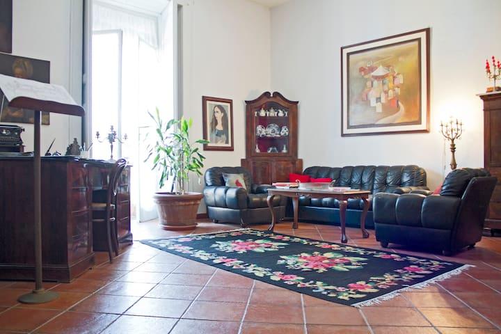 Nobiliar home in historical centre - Napoli - Lejlighed