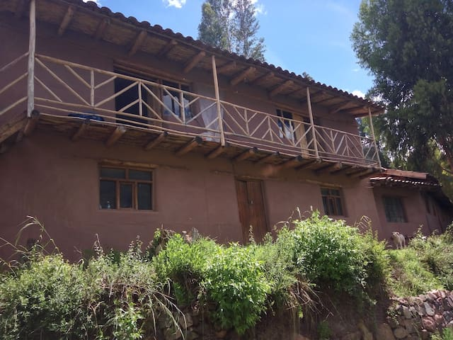 Sacred valley view house - Taray - Землянка