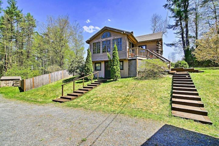 NEW! Beautiful Log House 3.5 Mi. to Spofford Lake!
