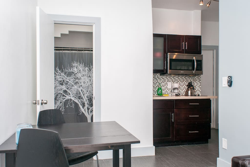 Beautiful high end kitchen with brand new appliances