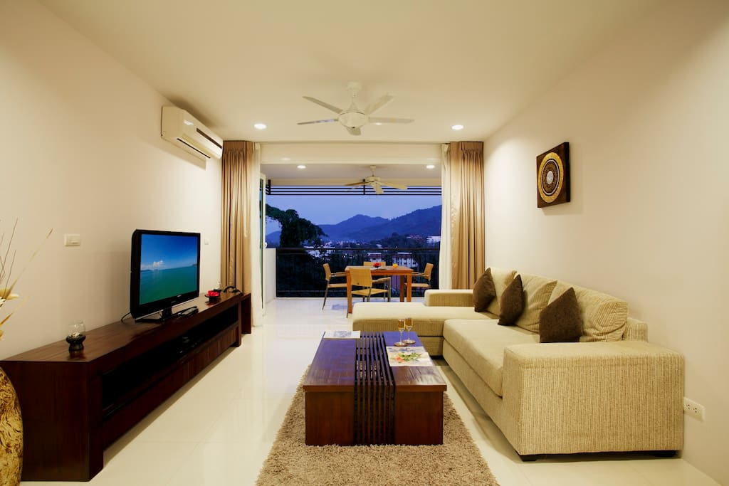 Open plan living space - direct access to the terrace