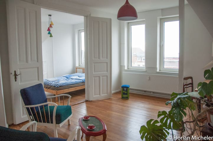 2 bright rooms with a view - Flensburg - Apartemen