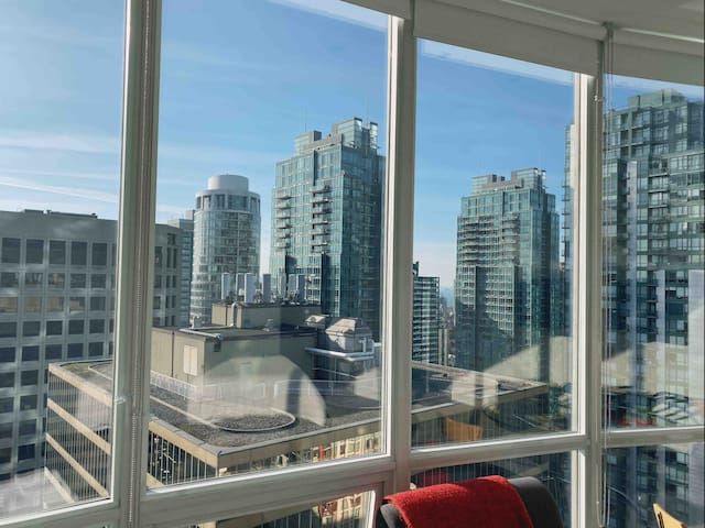 Downtown Vancouver Penthouse Private Room 3002