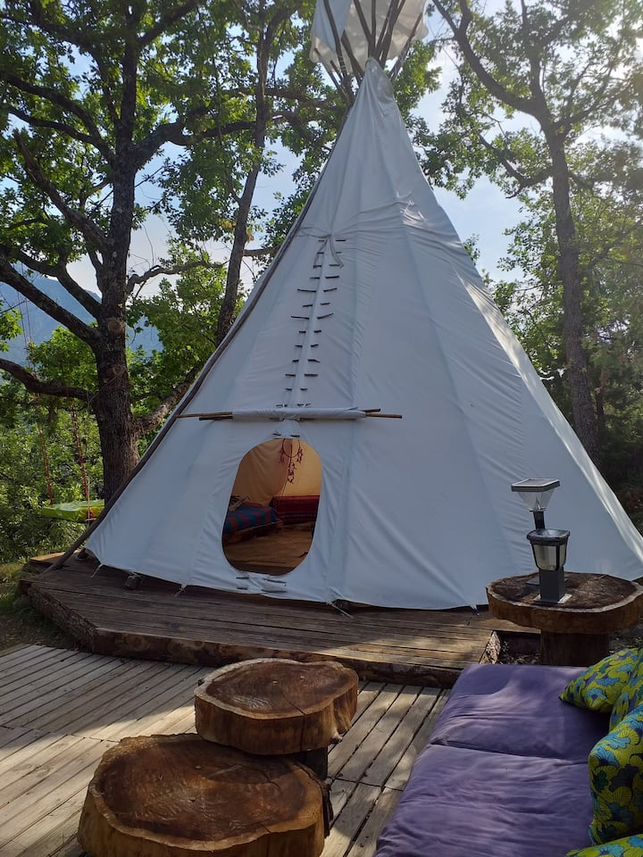 Tipi ecologique in paradise ....