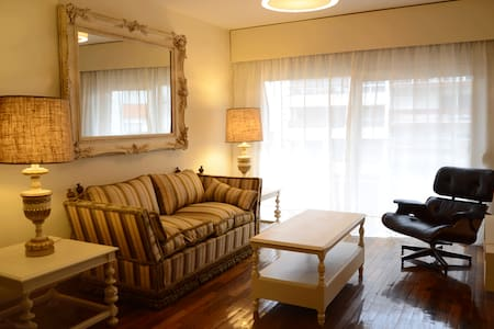 Amplio apartamento en pleno Pocitos 5 personas - Montevideo - Appartement