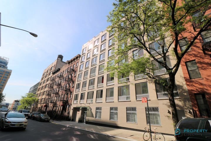 Apt in W 48th with  private patio