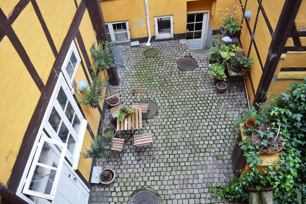 Cosy courtyard almost only for you :)